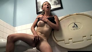 Slim Aden Masturbating Her Snatch