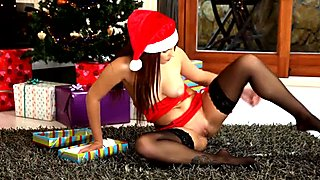 Holiday orgasms for teen redhead