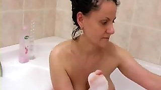Horny Grandma In The Tub