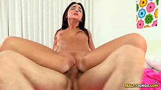 Darling enjoys coarse wet crack drilling from hunk