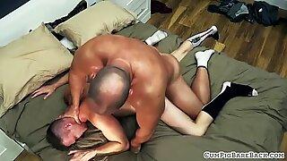 Bear hunk licks up cumshot after bareback sex