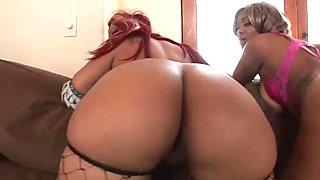 Ebony plumpy rump Vanilla Red and her girlfriend fuck one guy