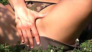 flexible brunette Alexa - Nature