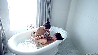Bathroom pussy fun with Shyla Jennings and Jenna Sativa