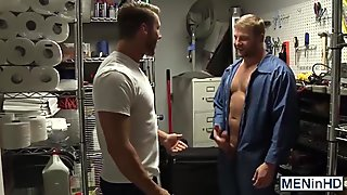 Horny muscle hunk Colby Jansen pounds Rod Pedersons hot ass