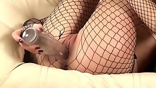 Closeup gaping pussy