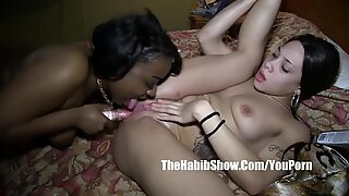 pussy eating lesbo lovers lick pussy nut