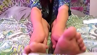 LOTION FOOT TEASE