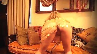 Sarah Peachez Dance and Masturbation