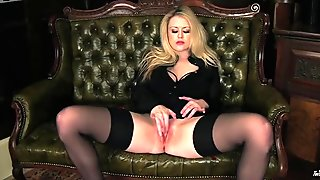 Cheesecake blond prostitute arouses her client by fingering herself