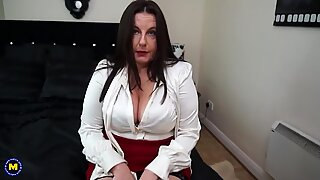 British curvy mother Jessica Jay needs your cock