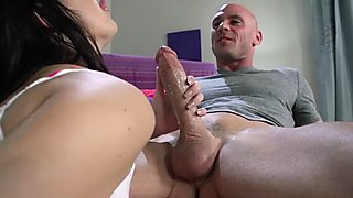 Brazzers babe Daisy makes her bf wait for it