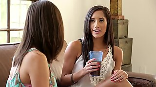 Chloe Amour played by Shyla Jennings and mommy India Summer